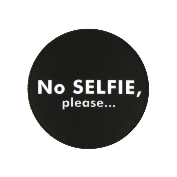 No selfie please badge olivia hainaut concept store brussels