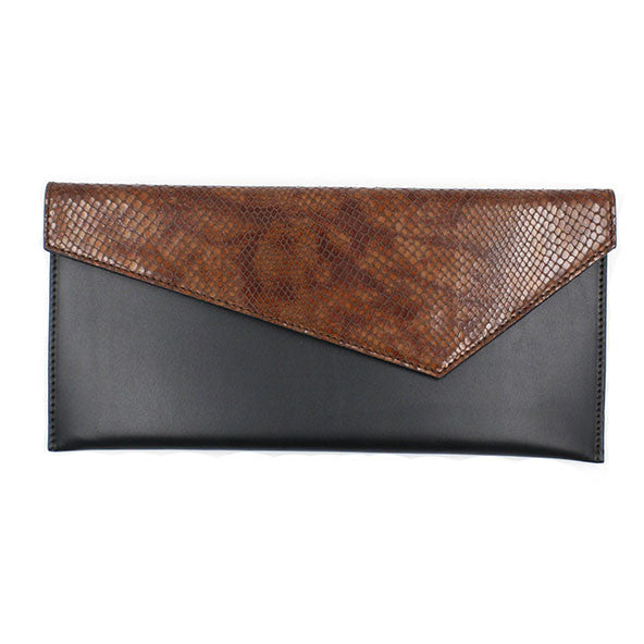 Black clutch with croco effect flap