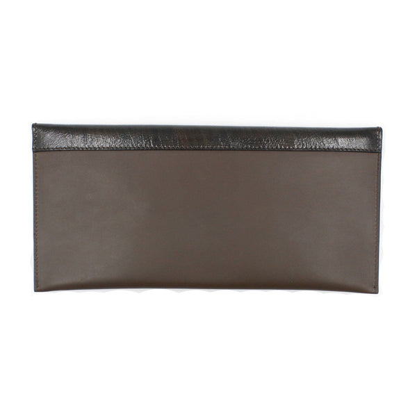 brussels concept store michael guérisse taupe clutch flap back