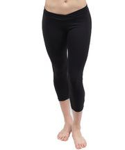 Brushed Supplex® UnSEAMly  V-Waist Mid-Calf Capri