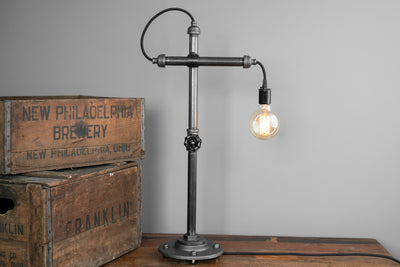 TABLE LAMP MODEL No. 1172