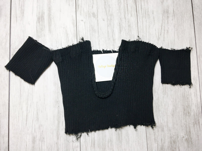 Ribbed V Crop Top