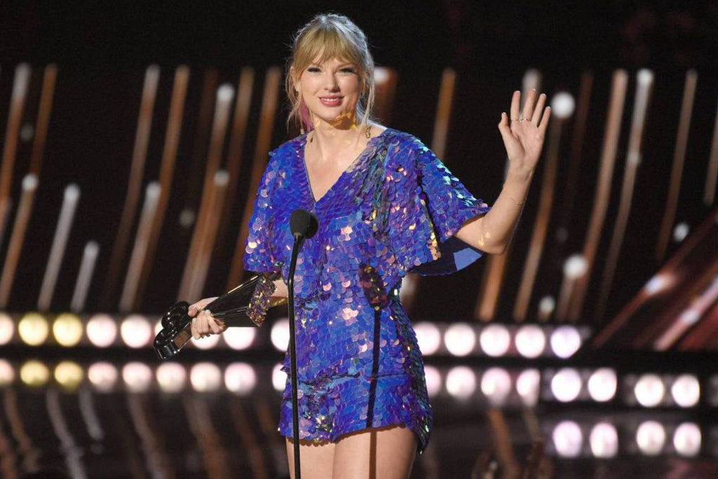 Taylor Swift in Rosa Bloom