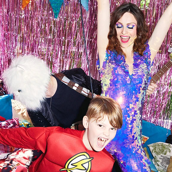 Sophie Ellis-Bextor Spinning places podcast cover image.
