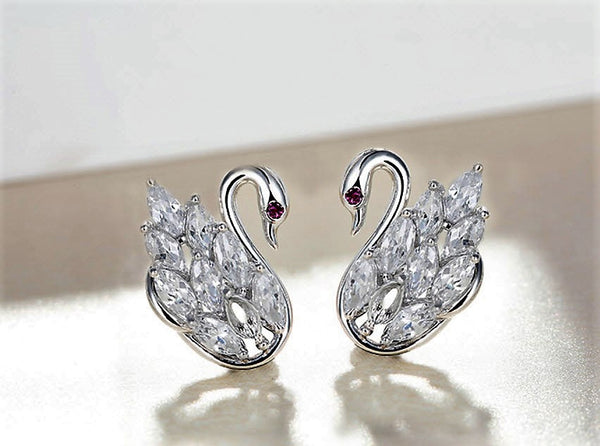 925 Sterling Silver Swan Lover Earring