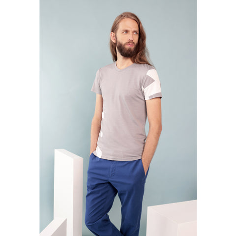 "Men's V-neck T-shirt ""Geometry"" in silver merino by Feelwear"