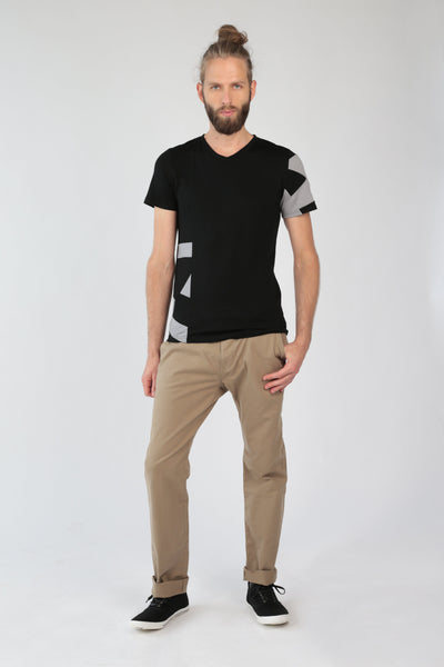 "V-neck T-shirt ""Geometry"" in black merino by Feelwear"