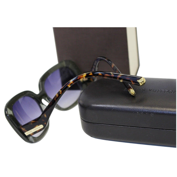 LOUIS VUITTON Anemone Navy Sunglasses - discounted glasses