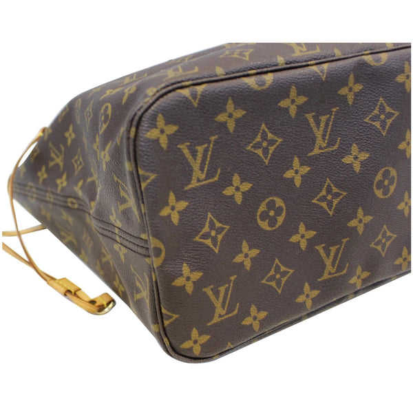 Louis Vuitton Neverfull MM Canvas Tote Shoulder Bag - bottom view