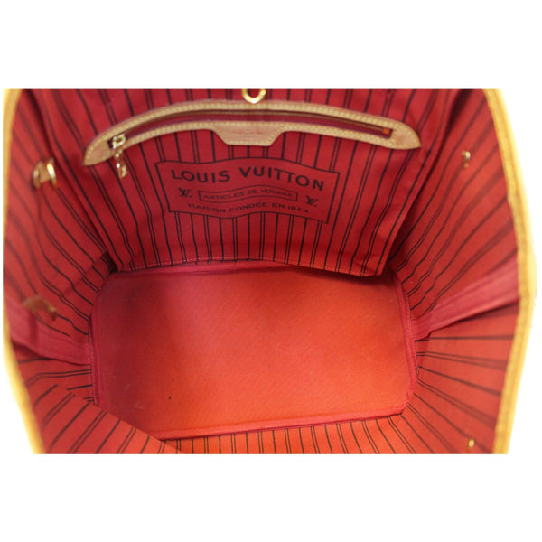 Louis Vuitton Neverfull MM - Lv Monogram Tote Bag - red interior