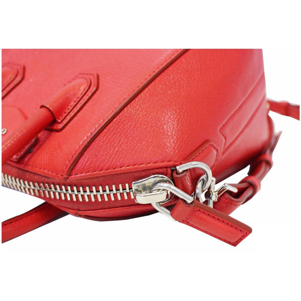 Givenchy Shoulder Bag Antigona Small Leather - bag side view