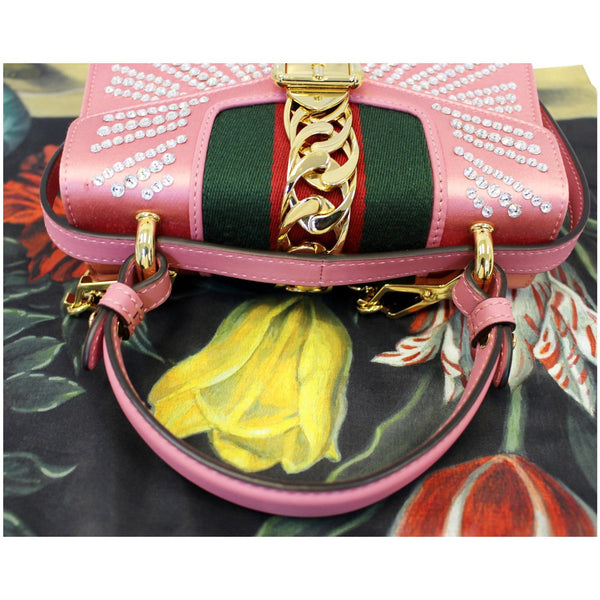 Gucci Shoulder Bag Mini Sylvie Satin Crystal Peony - strap