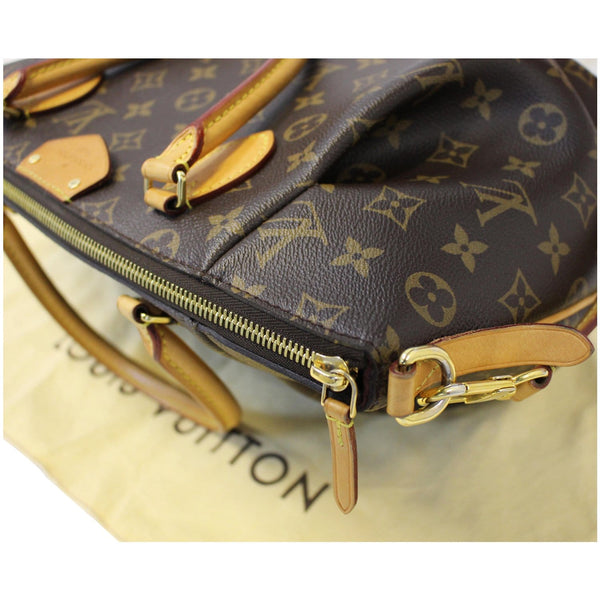 lv Turenne MM Monogram Canvas Shoulder Bag Zip closure