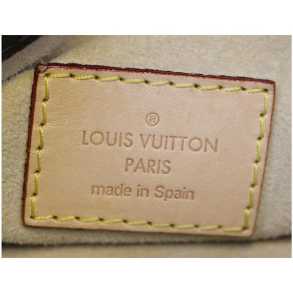 Louis Vuitton Artsy MM Monogram Shoulder Bag - Lv logo
