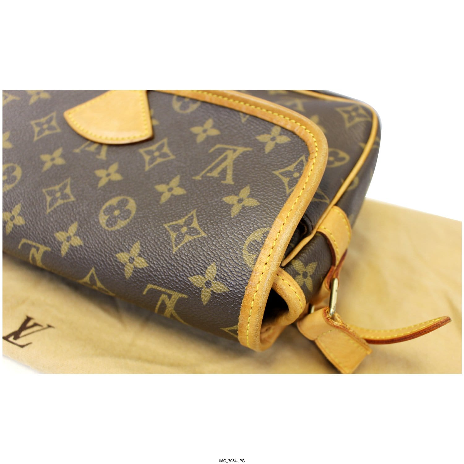 a29860d3250e LOUIS VUITTON Sologne Monogram Canvas Shoulder Crossbody Bag-US