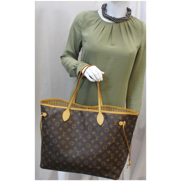 Louis Vuitton Neverfull GM Monogram Tote Shoulder Bag for sale