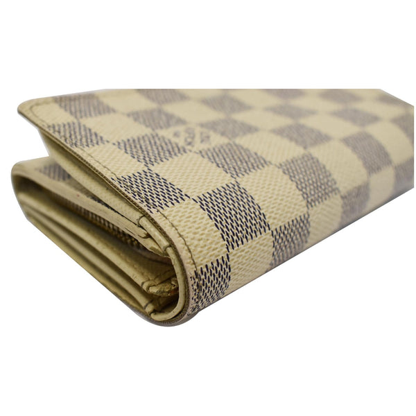 Louis Vuitton Zippy Damier Azur Wallet White - rigjht corner ook