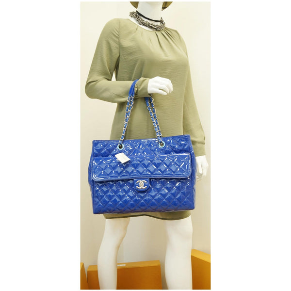 CHANEL Large Coco Shine Patent Quilted Leather Shopping Tote Blue