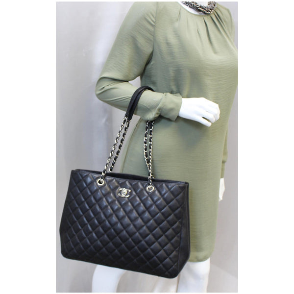 CHANEL Large Classic Caviar Leather Tote Bag Black-US
