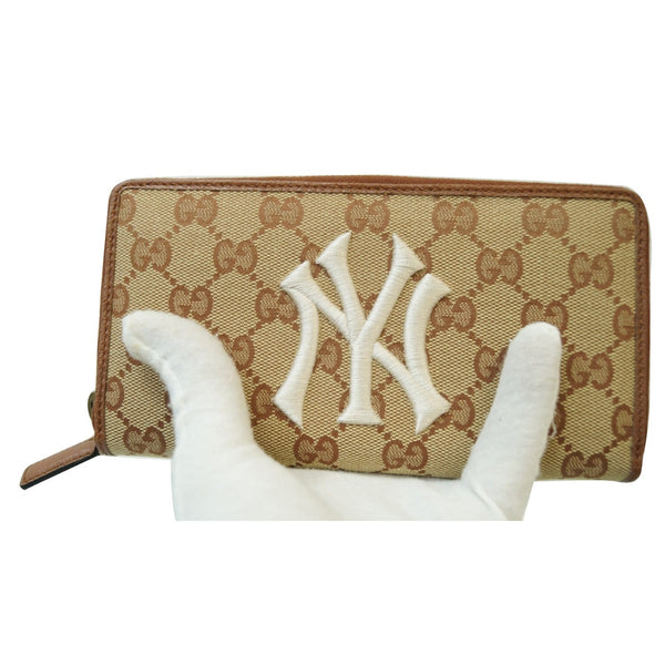 Gucci Zip Around NY New York Yankees Patch Wallet NY logo