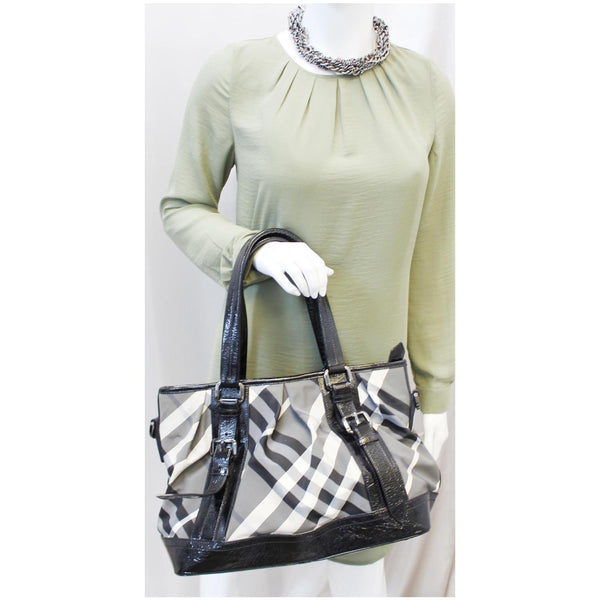 Burberry Lowry Tote Bag Beat Check Nylon - Burberry Bags for women