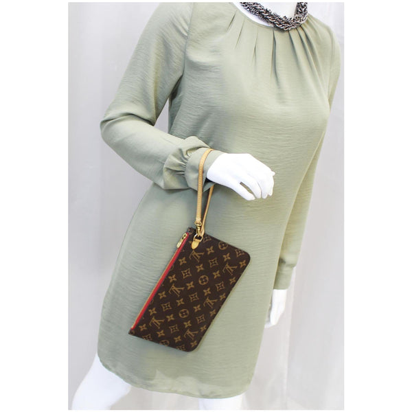 Louis Vuitton Neverfull MM Pouch Wristlet Pochette for women
