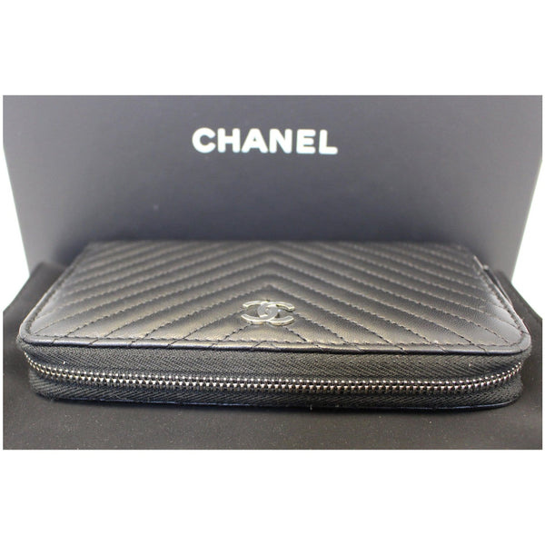 Chanel Wallet Lambskin Chevron Quilted Zip for women