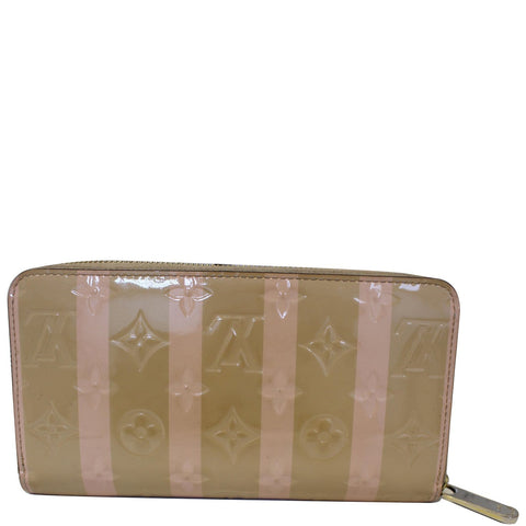 LOUIS VUITTON Vernis Rayures Zippy Wallet Dune