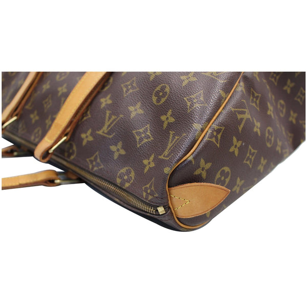 closeup LV Sac Flanerie 45 Monogram Canvas Handbag