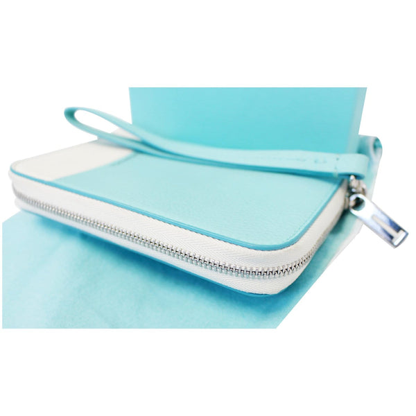 Tiffany & Co Wallet Block Zip Around White & Blue for women
