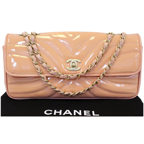 Chanel Flap Shoulder Bag made of shiny Patent Peach Leather