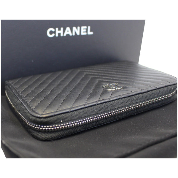 Chanel Wallet Lambskin Chevron Quilted Zip in discount