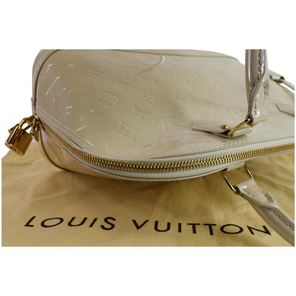 Louis Vuitton Alma PM Zip Corner Shoulder bag