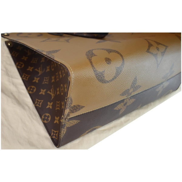 Louis Vuitton Onthego GM Reverse Monogram Canvas Bag - close corner view