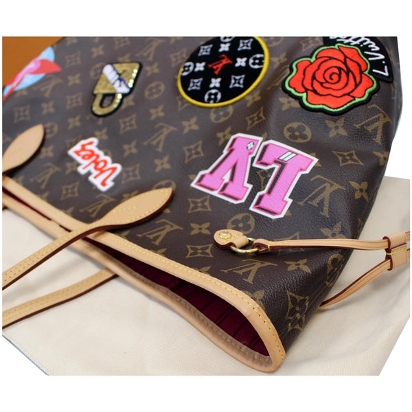 closed view Louis Vuitton Stories Neverfull MM tote