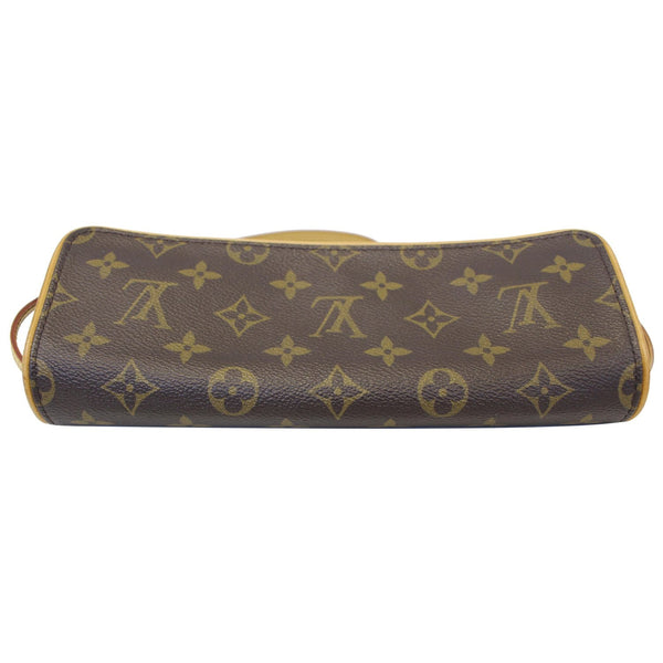 Louis Vuitton Pochette  Monogram Canvas Shoulder Bag - seude leather