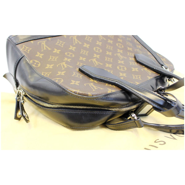 Louis Vuitton Dora MM - Lv Monogram Shoulder Handbag leather