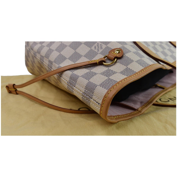 Louis Vuitton Neverfull MM Shoulder Bag closed view