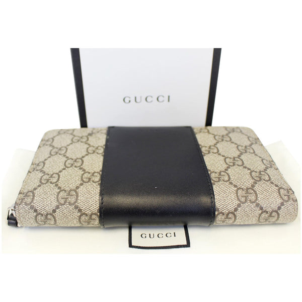 Gucci Wallet GG Supreme Monogram Zip Around - bottom view