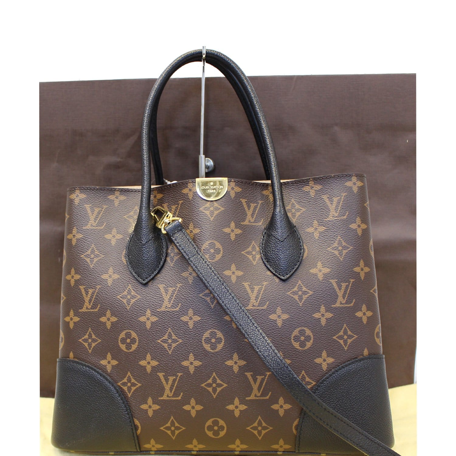 90203a17cc4 How to authenticate Louis Vuitton bags and accessories · View ...