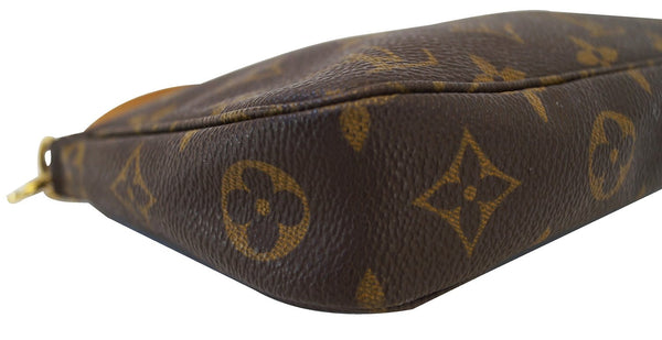 LOUIS VUITTON Monogram Canvas Pochette Accessoires Handbag