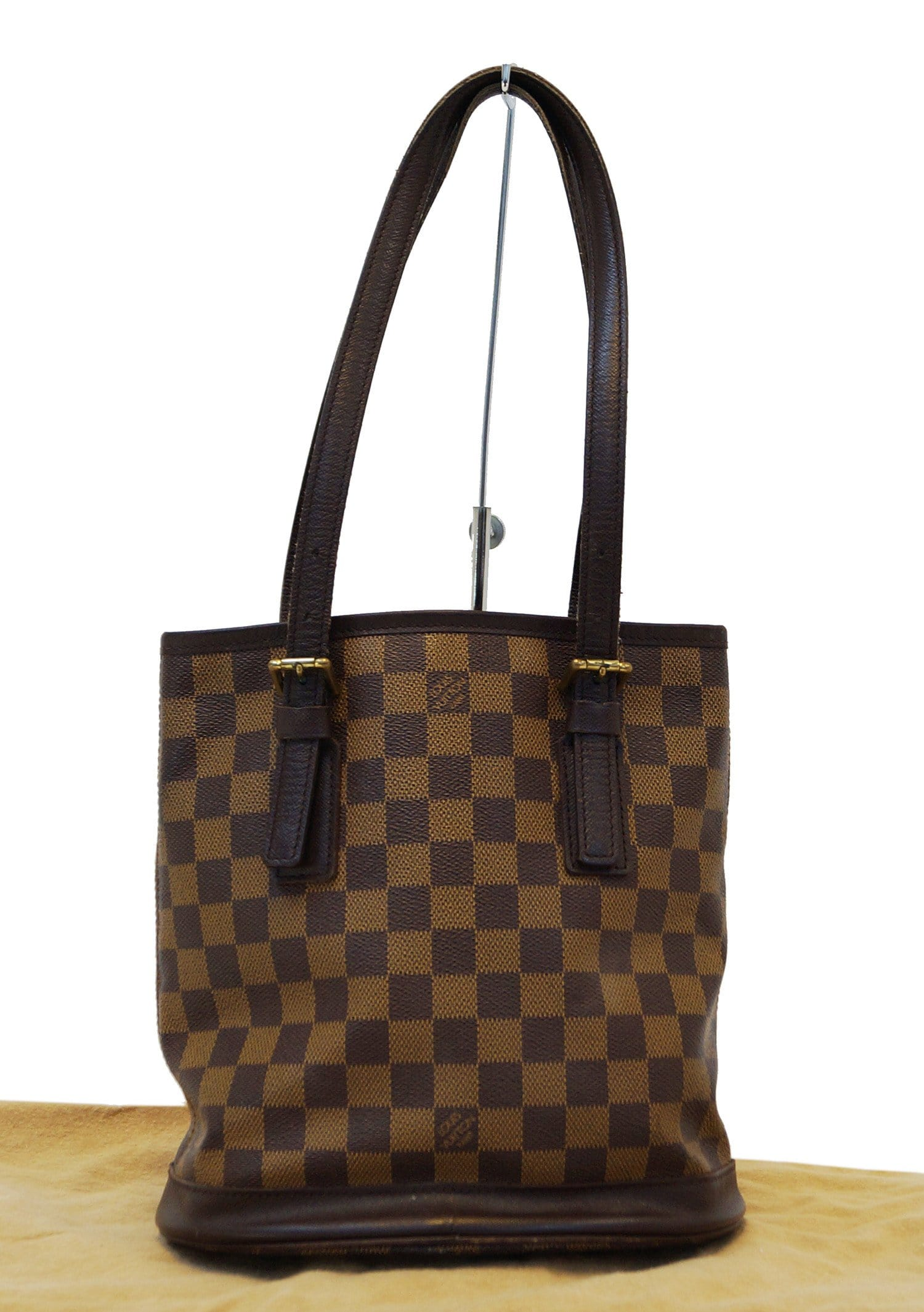 dbcd3842d7df LOUIS VUITTON Damier Ebene Marais Bucket Shoulder Bag