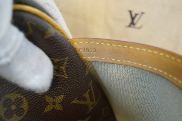 LOUIS VUITTON Monogram Reporter PM Shoulder Bag - Final Call