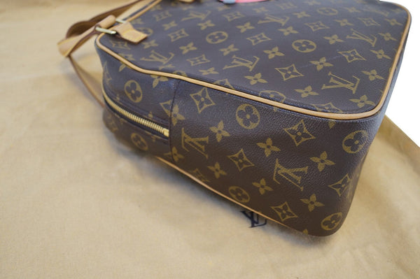 LOUIS VUITTON Monogram Canvas Excentri Cite Handbag - Final Call.