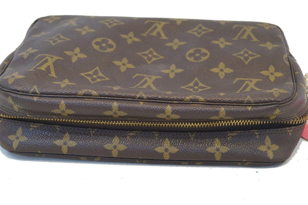 LOUIS VUITTON Monogram Canvas Trousse Toilette 23 Clutch