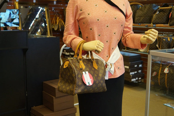 LOUIS VUITTON Speedy 25 Monogram Canvas City Handbag