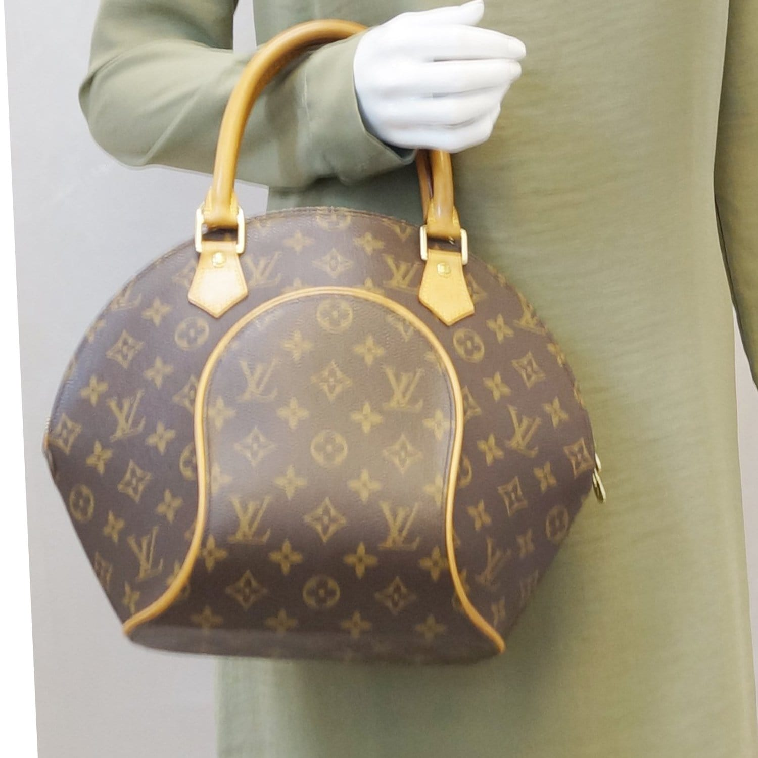 b6afc027a LOUIS VUITTON Ellipse PM Monogram Canvas Satchel Handbag