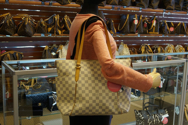 Louis Vuitton Damier Azur Totally MM Shoulder Handbag