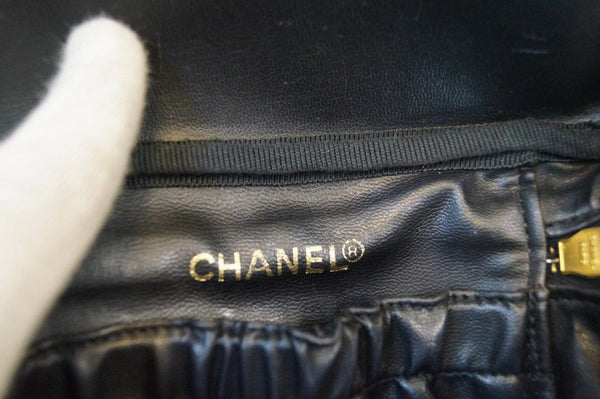 CHANEL Caviar Skin Vanity Cosmetic Bag Black