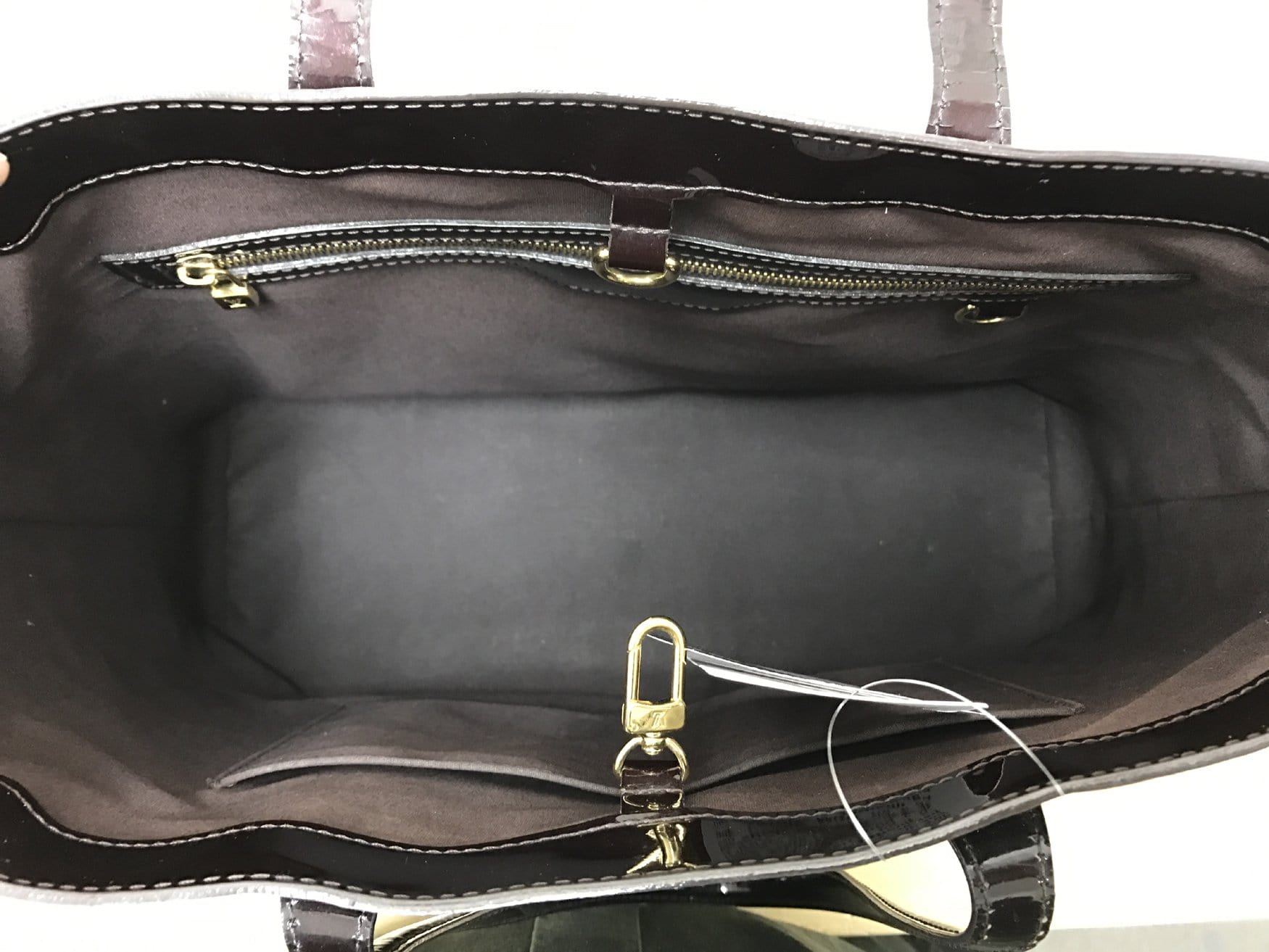 af8e2a7fe61 LOUIS VUITTON Vernis Leather Wilshire GM Satchel Wine Red